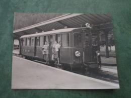 En Gare De VALLORCINE - Rame Suisse - Frankreich