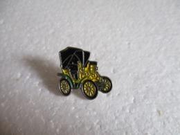 Pin's Voiture Fiat 3 1/2 HP 1899. - Fiat