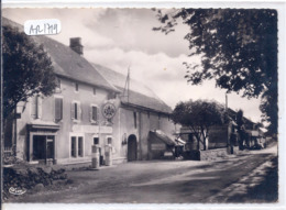 USSEL- LE CAFE NIOCEL- POMPES A ESSENCE AZUR- CIM 393-  CPSM GRAND FORMAT - France