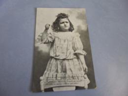 BELLE PETITE FILLE ...CARTE PUBLICITE PARFUMERIE DE L'OEILLET MARITIME ..A DOULON 44 - Children