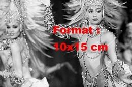 Reproduction D'une Photographie Ancienne De Danseuses De Cabaret En Tenue De Spectacle - Reproductions