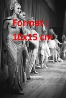 Reproduction D'une Photographie Ancienne De Belles Danseuses De Cabaret Night Club - Reproductions