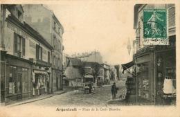 VAL D'OISE  ARGENTEUIL   Place De La Croix Blanche - Argenteuil