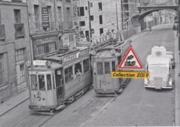 199T - Croisement Des Motrices N°135 Et 143 Du Tramway, Rue De L'Arche Sèche à Nantes (44) - - Nantes
