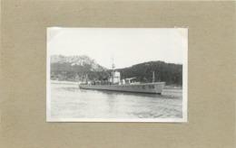 BATEAU DE GUERRE - Chasseur 96  (photo  Années 20, Format 8,3cm X 5,6cm) - Barcos