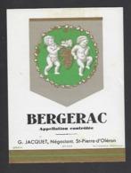 Etiquette De Vin Bergerac - G. Jacquet à Saint Pierre D'Oléron (17)  - Thème Porteurs Grappe De Raisin - Other