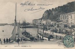 I116 - 06 - NICE - Alpes-Maritimes - Un Coin Du Port - Monuments, édifices