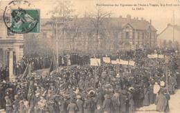 10-TROYES- MANIFESTATION DES VIGNERONS DE L'AUBE, A TROYES LE 9 AVRIL 1911 LE DEFILE - Troyes