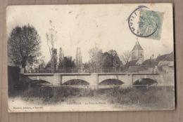 CPA 27 - DAMVILLE - Le Pont De Pierre - TB PLAN Edifice Sur Cours D'eau + Animation Dessus Dont Cyclistes - Francia
