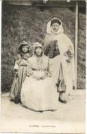 ALGERIE - Famille Arabe - N'a Pas Circulé - Algérie