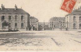 """CPA 88 (Vosges) EPINAL / L'ENTREE DE LA CASERNE """" COURCY """" - Epinal"""