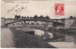 ESCANAFFLES NOUVEAU PONT TRAIN ET PENICHE A QUAI - Belgique