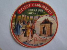 Etiquette De Fromage Camembert Select Fabriqué En Charente Maritime 17-L La Rochelle - Fromage