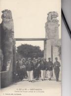 SAINT-MARTIN (Ile De Ré): Convoi De Forçats Sortant De La Citadelle - Gevangenis