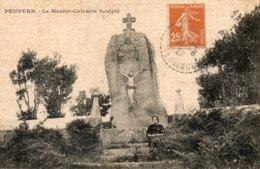 Peuvern -   Le  Menhir - Calvaire  Sculpté - France