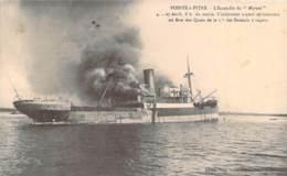 """971 - Guadeloupe - Pointe-à-Pitre - L'Incendie Du """"Maroni"""" 27 Avril L'infortuné Vapeur Se Consume ... (bateau) - Pointe A Pitre"""