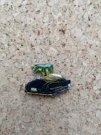 Pin's / Pins / Thème : Automobile / Voiture Cabriolet, Sous Un Palmier (SHELL) - Pins