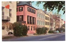 02886-LE-ETATS UNIS-RAINBOW ROW,CHARLESTON;S.C.--------------voitures - Charleston