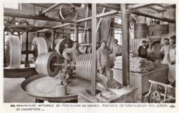 SEVRES - 92 - Manufacture Porcelaine - Ateliers De Fabrication Des Pates Et Couvertes - Animée - 73519 - Sevres