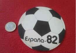 SPAIN POSAVASOS COASTER MAT WORLD CUP MUNDIAL DE FÚTBOL ESPAÑA 82 1982 CHAMPIONSHIP FOOTBALL SOCCER BALÓN BALL PELOTA... - Portavasos