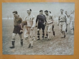 PHOTO DE PRESSE FOOT FOOTBALL 1945 1946 ? ANGLETERRE BELGIQUE WEMBLEY - Deportes