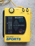 Walkman Sony Sports - Vintage ! - Music & Instruments