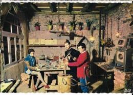 Lucienne & Christian MARTINI Fabriquent Leurs émaux à ROCAMADOUR & SALVIAC. Ed. Théojac  , Cpsm GF - Salviac