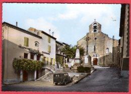 30 SAINT-JULIEN-de-PEYROLAS - Place De L'église - La Poste - Francia
