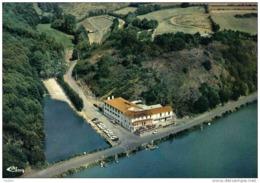 Carte Postale 85. Chantonnay  Hotel Du Moulin Neuf  Vue D'avion Trés Beau Plan - Chantonnay