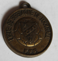 Médaille Ancienne Récompense Ligue De Bretagne De Football F.F.F. Football Animation - Apparel, Souvenirs & Other