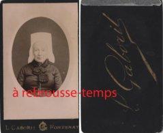 CDV Vers 1880--vendée- Femme En Costume Traditionnel Et Coiffe Photo Gaborit à Fontenay - Anciennes (Av. 1900)