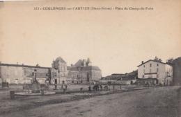 COULONGES-sur-L'AUTIZE: Place Du Champ-de-Foire - Coulonges-sur-l'Autize