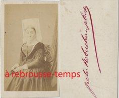 CDV Second Empire--vendée- Femme En Costume Traditionnel Et Coiffe Photographie Jules Robuchon Photo (Fontenay) - Antiche (ante 1900)