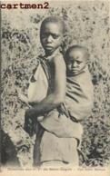 MISSION DES P.P. DU SAINT-ESPRIT UNE JEUNE MAMAN SCENE TYPE AFRIQUE - Missions