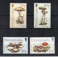 TRISTAN DA CUNHA - 1984 - Funghi - 4 Valori - Nuovi - Linguellati * - (FDC17067) - Funghi