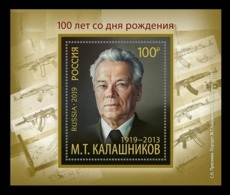 Russia 2019 Mih. 2761 (Bl.281) Portrait Of Mikhail Kalashnikov. Painting Of Sergey Prisekin MNH ** - 1992-.... Federation