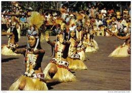 Carte Postale Tahiti Danse Polynésienne Prés De Mururoa Trés Beau Plan - Tahiti