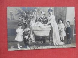 Royal Family  RPPC        Ref 3639 - Royal Families