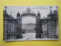 CHERBOURG EN COTENTIN. Cherbourg. L'Hôpital Maritime. La Porte D'Entrée. - Cherbourg