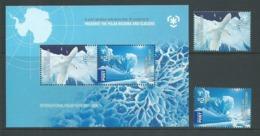 Australian Antarctic Territory 2009 Poles & Glaciers Set Of 2 & Miniature Sheet MNH - Unused Stamps