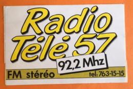 RADIO TELE 57 FM STEREO 92,2 Mhz  RADIO - TELEVISION - Aufkleber