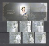 SS352 GIBRALTAR ROYALS QUEEN ELIZABETH II ACCESSION 65TH ANNIVERSARY BL126 #1774-9 !!! MICHEL 27 EURO !!! 1SET+1BL - Royalties, Royals