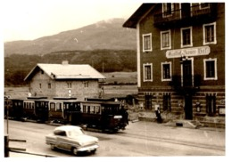 Foto Von Rum Bei Innsbruck - Gasthof Rumer Hof Mit Eisenbahn Bahn Tram 1956 - Orte