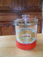 Ancien  Pot à Cigares Upmann En Verre Avec Ses étiquettes , Ses Fermetures Métalliques Et Le Bois De  Cèdre Intérieur - Sigaren - Toebehoren