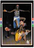 Carte Postale Afrique Gambie  Dance De Guerriers Trés Beau Plan - Gambie