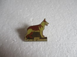 Pin's Animalier Nature Et Animaux 1993 - Berger. - Animaux