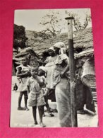 CONGO BELGE -  N'POZO ( Matadi) -  Dans Un Village De Pêcheurs - Congo Belge - Autres
