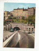 Cp, Camion,automobiles , Citroen 2 Cv....,69 ,LYON ,pont De Lattre De Tassigny ,tunnel Routier ,  Vierge,  Ed. Combier - Camion, Tir