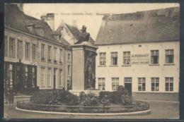 CPA Nivelles Square Gabrielle Petit Monument Jules De Burlet + Hôtel Restaurant Binet - Beringen