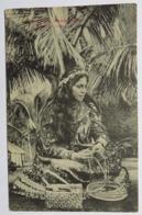 C. P. A. : TAHITI : TAAHI Faisant Un Chapeau, En 1912 - Tahiti